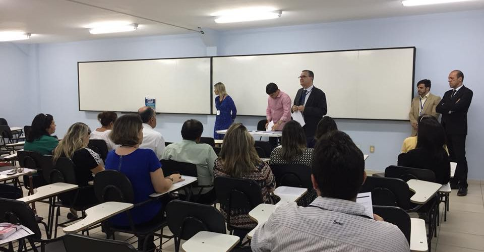 Procon Jaboatão promove palestra para representantes de escolas particulares