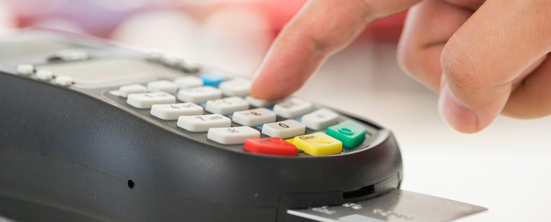 Cobrança de valor mínimo para compra no cartão de crédito e débito é ilegal